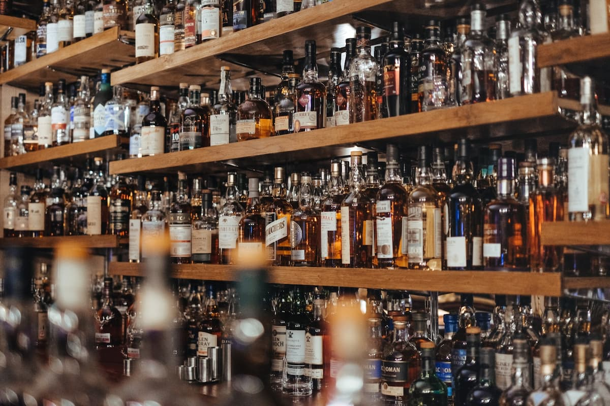 How Are Bars & Clubs Surviving During COVID-19